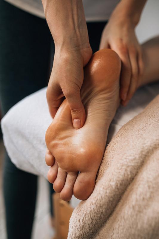 Massage de réflexologie plantaire à Sautron